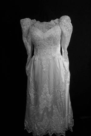 25gownfa.jpg Vintage bridal wedding gown front