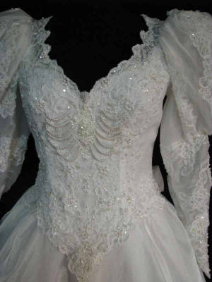 60gownbod..jpg Vintage bridal wedding gown front