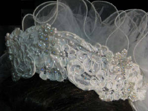 60gownhpa.jpg FREE matching headpiece/veil