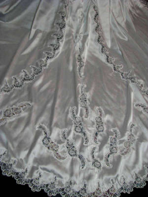 67gowntd.jpg train detail on vintage modest gown