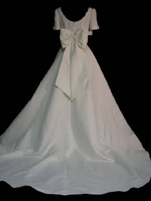 Lady Eleanor wedding gown back 74b1gown.jpg