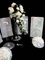 bouquetstands2- Throw or second wedding bouquets
