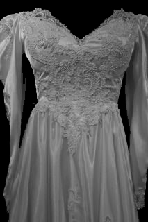 Front Bodice Vintage Long Sleeve Wedding Gown 1033