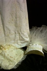 gown32-1729vhp.jpg Veil, headpiece, purse FREE