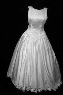 Mori Lee Preowned Wedding gown front.10f.jpg