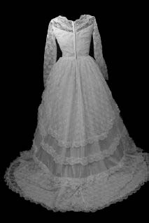 gowns7bka.jpg Modest vintage wedding gown back